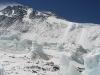 Mount Everest - szczyt jak zwykle z pióropuszem chmur