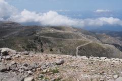 droga, którą można dojechać na szczyt Ataviros