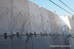 jedziemy wzdłuż Muru Bezpieczeństwa