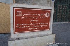 tablica informacyjna przed Bazyliką