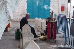 sprzedawca kawy na ulicach Betlejem