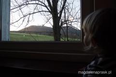poranek w schronisku PTTK Pasterka - z naszego okna widać masyw Szczelińca