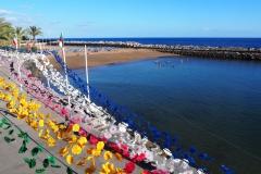 jedna z niewielu piaszczystych plaż na Maderze - stworzona sztucznie w 2004r. z piasku z Maroka