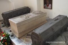 wnętrze kościoła Wniebowzięcia NMP - kaplica grobowa z grobem króla Eryka I