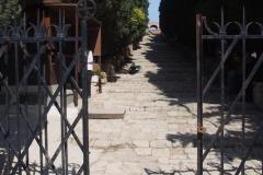 wejście do biletowanej części wzgórza