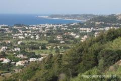 widoki z drogi prowadzącej na wzgórze - ten cypel na końcu to Miasto Rodos