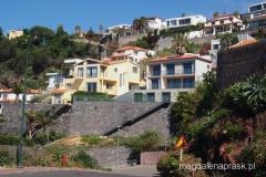 amfiteatralnie zlokalizowane domki