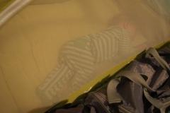 Wojtus śpi w swoim łózeczku Koo-di