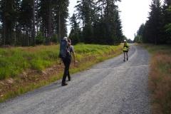 ruszmay na Jagodną, tą samą trasa biegną uczestnicy biegu Przez 7 Szczytów