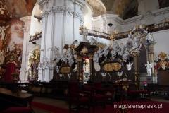 wnętrze bazyliki