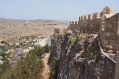mury otaczahjące Akropol - blanki dodali Joanici w XIIIw