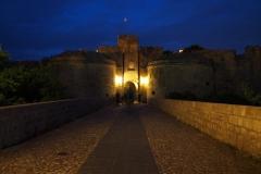 miasto Rodos nocą