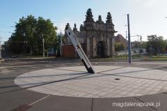 Brama Królewska i zegar słoneczny