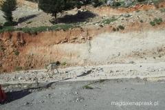 droga dojazdowa na praking pod klasztornym wzgórzem