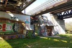 piękne murale - widoczne tylko z Wartostrady
