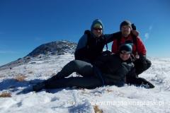 z Jackiem i Piotrem - w tle kopuła szczytowa Babiej Góry