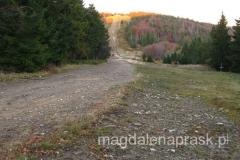 spojrzenie na szczyt Klimczok spod schroniska