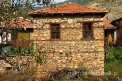 Brajcino słynie z jednorodnej kamiennej zabudowy wsi