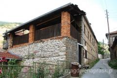 Dom Beja (kulata na begot) – duży budynek z drewnianym tarasem – w czasach tureckich był jednocześnie mieszkaniem, oborą oraz spichlerzem