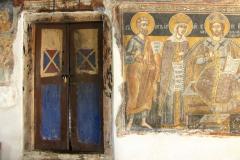 we wsi Slivnica gdzie ok 5 km w głębi gór schowana jest Cerkiew św. Bogurodzicy - pięknie wymalowany przedsionek cerkwii