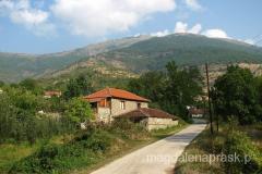 Brajcino - wieś pięknie zlokalizowana u podnóża gór