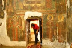 drzwi wejściowe do cerkwii są bardzo niskie - trzeba się schylić wchodząc