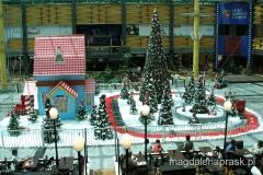 idą święta - w centrum handlowym...