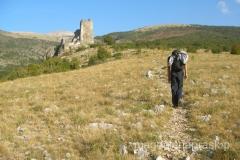 już na samym początku szlaku spotykamy dwie atrakcje: ruiny tureckiej twierdzy i ....