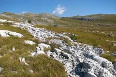 Masyw Dinary utworzony ze skał wapiennych, jest królestwem zjawisk krasowych