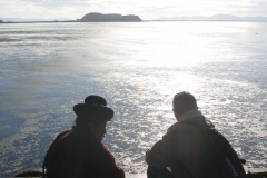 Peru - wyspy Uros - czekając na prom