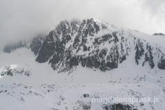 widok na masyw Gerlacha, niestety sam szczyt główny skryty jest po lewej stronie w chmurach