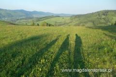 późnym popołudniem nasze sylwetki tworzą długie cienie
