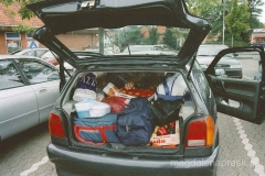 nasze auto zapakowane prowiantem po dach