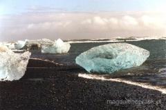 lodowe diamenty na plaży