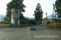 interesujące rondo we wsi Dranoc