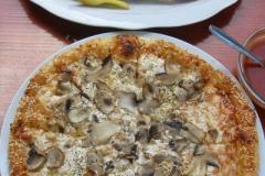 pastrmajlija oraz pizza - bardzo popularne dania w Macedonii