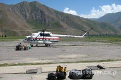 wreszcie przyleciał - helikopter, na który czekaliśmy trzy dni...