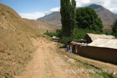 podróż przez Tadżykistan - przystanek w jednej z wiosek