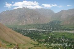 widok na okolicę z jednego z otaczających Jirgital wzgórz