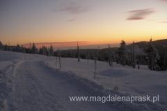 zachód słońca podziwiany ze schroniska Odrodzenie na Przełęczy Karkonoskiej