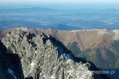 Mały Kieżmarski Szczyt; a w tle Tatry Bielskie