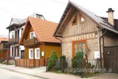Domy przy ul. Zdrojowej z końca XIXw. – przykład małomiasteczkowej zabudowy szczytowej