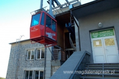 wagonik kolejki linowej kursującej na szczyt Łomnicy
