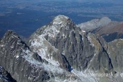 na szczycie Łomnicy (2.634m npm) - widok na Czarny Szczyt
