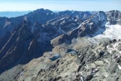 widok na schronisko Teryego i Dolinę Pięciu Stawów Spiskich