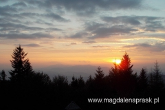 zachód słońca ze szczytu Luboń Wielki - widok na Babią Górę