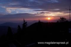 wschód słońca ze szczytu Luboń Wielki