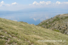 wchodzimy na Magoro - widoki są coraz ciekawsze - tu na Jezioro Ochrydzkie