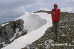 dochodzimy do szczytu Magoro - robi się coraz zimniej i pogoda niepodziewanie się zmienia