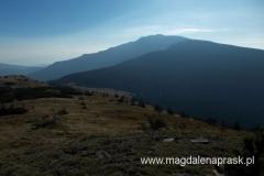 widok z szczytu Małej Babiej Góry na Babią Górę